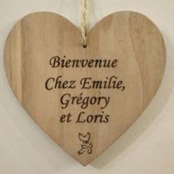 couronne de porte de bienvenue en forme de coeur en bois