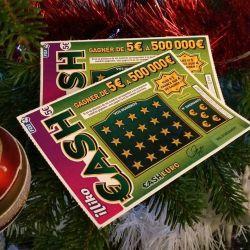 aujourd'hui mardi 5 décembre, un jeu à gratter offert pour toute commande supérieure à 50€ passée sur coussin-mariage.fr avec le