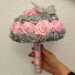 bouquet de mariée : les fleurs de satin