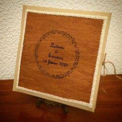 Livre d'or avec 1ere de couverture en bois personnalisé avec vos prénoms gravés